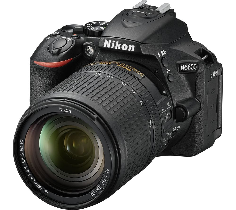 NIKON D5600 DSLR Camera with 18140 mm f3.55.6 Telephoto Zoom Lens