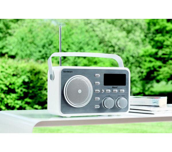 buy sandstrom sdabxrl13 portable dab bluetooth clock radio silver free de. Black Bedroom Furniture Sets. Home Design Ideas
