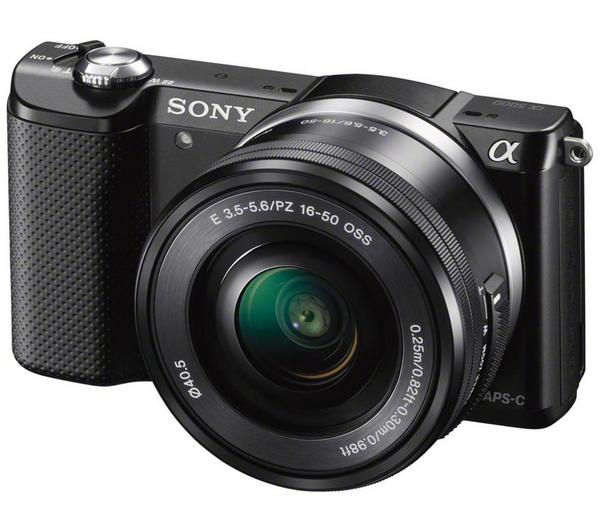 Sony a5000 with 16-50 mm f/3.5-5.6 OSS Zoom lens