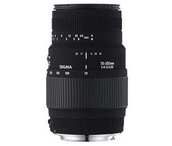 SIGMA 70-300 mm f/4-5.6 DG Telephoto Zoom Lens with Macro - for Nikon