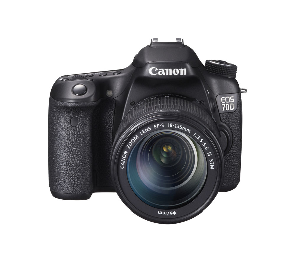 CANON EOS 70D DSLR Camera with 18-135 mm f/3.5-5.6 Zoom Lens