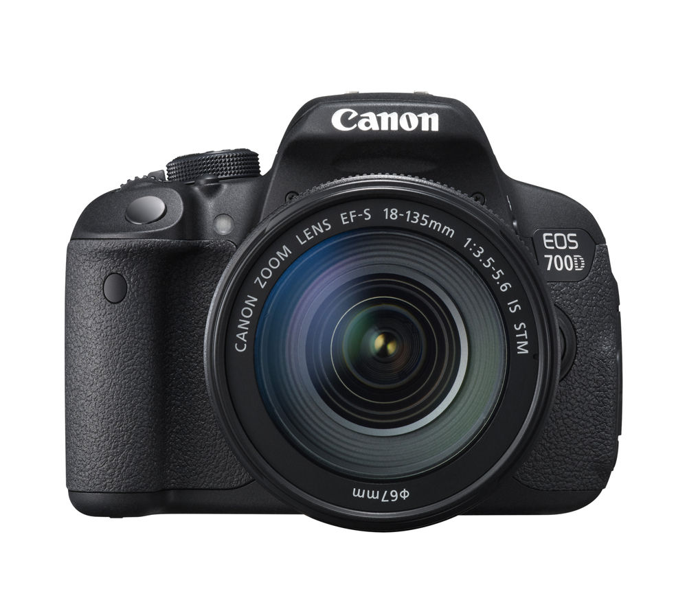 CANON EOS 700D DSLR Camera with EF-S 18-135 mm f/3.5-5.6 Zoom Lens